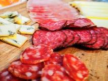 Queijo e salami Cortes da variedade foto de stock royalty free