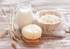 Queijo, leite, requeijão e trigo de Tzfat fotografia de stock