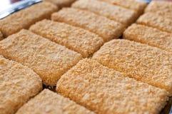 Queijo panado em flocos de milho misturados Fotos de Stock