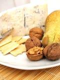 Queijo, porcas, biscoitos e pera cremosos de gorgonzola Foto de Stock Royalty Free