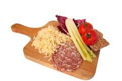 Queijo raspado, salada e salami Fotografia de Stock Royalty Free