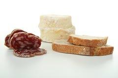 Queijo, salsicha e pão Fotografia de Stock