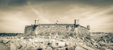 Queijo slott nära Atlanticet Ocean i Porto, Portugal Arkivbilder