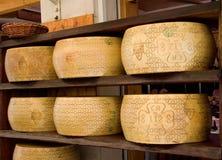 Queijos italianos de Grana Padano DOP Imagem de Stock Royalty Free