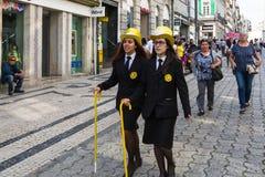Queima das Fitas的参加者-是一些葡萄牙大学的学生的一个传统庆祝 库存图片