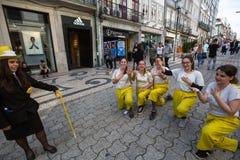 Queima das Fitas的参加者-是一些葡萄牙大学的学生的一个传统庆祝 库存照片
