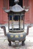 Queimador de incenso budista com imagens de stock royalty free