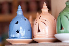 Queimador de incenso de Adobe no souk de Nizwa, Omã Imagem de Stock