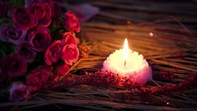 Queimadura da vela e flor do ramalhete para a metragem do dia de são valentim filme