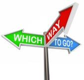 Quelle voie d'aller - 3 signes colorés de flèche Photos libres de droits