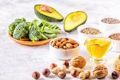 Quellen des strengen Vegetariers von Omega 3 und von ungesättigten Fetten lizenzfreies stockbild