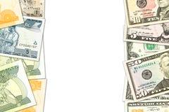 Quelques billets de banque éthiopiens de birr et billets de banque de nous-dollar avec le copyspace indiquant les relations comme