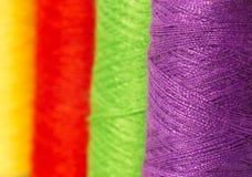 Quelques bobines avec les amorçages multicolores Images stock