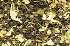 Quelques feuilles de thé sèches Image stock