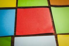 Quelques post-its collants colorés Photos libres de droits