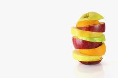 Quelques tranches de différents fruits frais Photographie stock libre de droits
