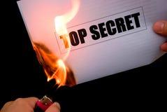 Quema de un papel de alto secreto Imagen de archivo libre de regalías