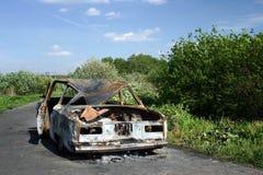 Quemado abajo del automóvil Foto de archivo