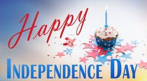 Queque com vela no Dia da Independência americano Imagens de Stock Royalty Free