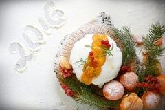 Queque de frutas inglés de la Navidad fotografía de archivo libre de regalías