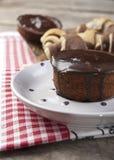 Queque do chocolate e os queques Fotografia de Stock