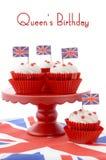 Queques britânicos com união Jack Flags Fotografia de Stock Royalty Free