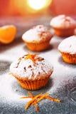 Queques caseiros com laranjas Fotografia de Stock Royalty Free