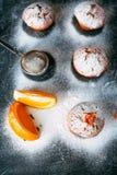 Queques caseiros com laranjas Imagem de Stock Royalty Free
