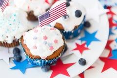 Queques com as bandeiras americanas no Dia da Independência Foto de Stock Royalty Free