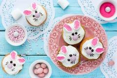 Queques do coelho de Easter Fotos de Stock Royalty Free