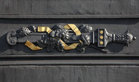 Quercia e spada antica Memoriale alla battaglia di Kulm Fotografie Stock