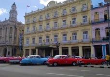 Querer saber nas ruas de Havana imagens de stock royalty free