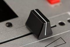Querfader eines DJ-Mischers Stockfoto