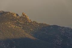 Queribus slott, Cucugnan, Frankrike fotografering för bildbyråer