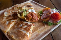 Quesadilla Mexicaans voedsel stock afbeelding