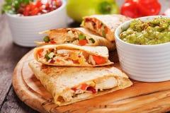 Quesadillas с мясом и овощами цыпленка Стоковые Фото
