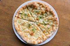 Queso blanco de la pizza, del ajo y de la mozzarella Foto de archivo