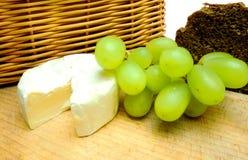 Queso con el vino Imagen de archivo libre de regalías