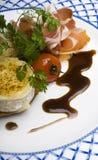 Queso de cabras de la carne asada y jamón de Parma Fotografía de archivo libre de regalías