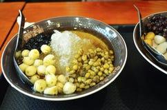 Queso de soja dulce chino Bean Soup con el queso de soja suave, habas de Mung foto de archivo libre de regalías