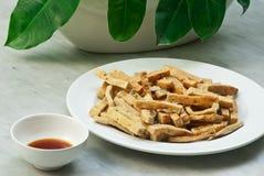Queso de soja frito con la salsa Foto de archivo libre de regalías