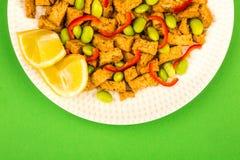 Queso de soja profundo de Fried Chinese Style Vegetarian o del vegano con rojo picante Fotografía de archivo libre de regalías