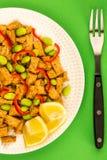 Queso de soja profundo de Fried Chinese Style Vegetarian o del vegano con rojo picante Imagenes de archivo