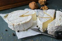 Queso del camembert Productos agrícolas, queso rústico fotos de archivo libres de regalías