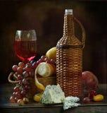 queso, miel, crepes apetitosas y caviar rojo sabroso a la celebración de la semana de la crepe Imagenes de archivo