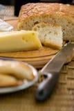 Queso y pan Imagenes de archivo