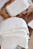 Queso y pan rebanados Imagen de archivo libre de regalías