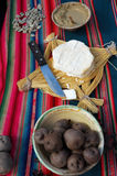 Queso y patatas de la vaca de la montaña Imagen de archivo libre de regalías