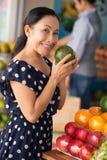Questa frutta è fresca! Immagine Stock