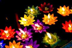 Questa immagine è circa la candela del fiore, Tailandia Immagini Stock Libere da Diritti